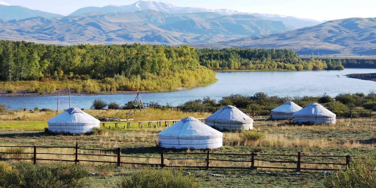 Dag 4 Mysterieuze bergen en steppe